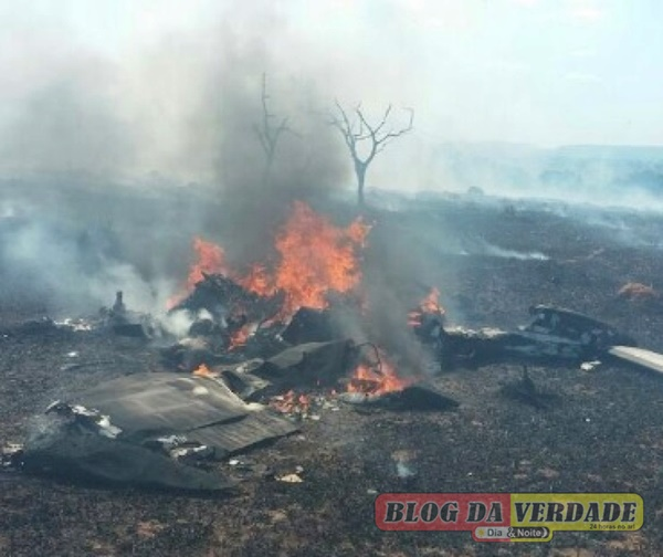Avião cai em Corumbaíba 2